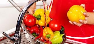 غسل الفواكه والخصروات