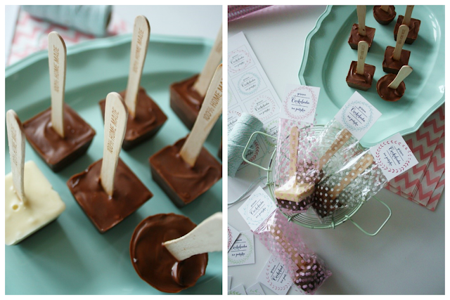 http://mrspolka-dot.com/diy-goraca-czekolada-na-patyku/
