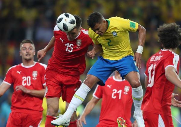 Brasil vence a Sérvia por 2 a 0 e está nas oitavas  cf80b6258cd59