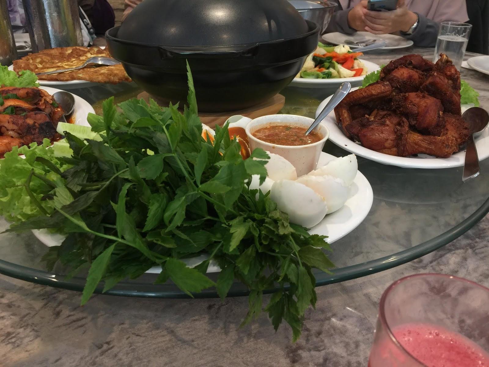 restoran de pauh, tempat makan di pulau pinang, pilihan menu menarik untuk makan, menu makan tengahari