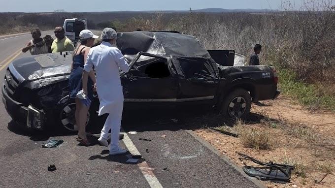 Veículo capota, motorista morre e dois ficam feridos na CE-371, em Deputado Irapuan Pinheiro