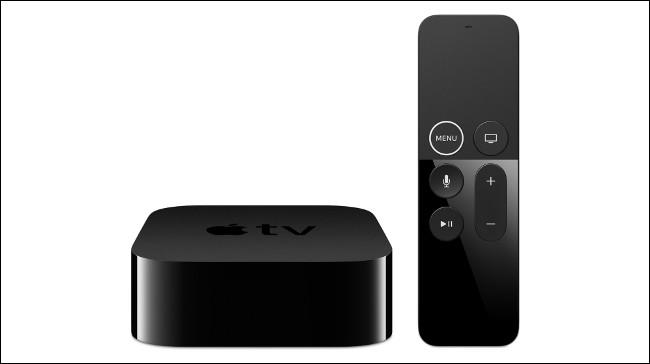 جهاز Apple TV 4K وجهاز التحكم عن بعد.