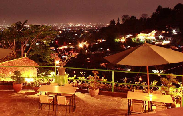 Restoran The Peak Bandung