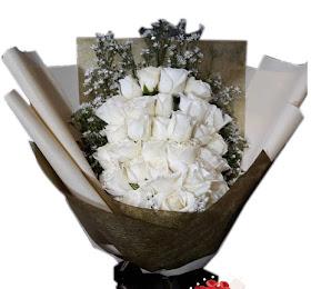 Handbouquet Bunga Segar Packing Premium<price>Rp.200.000 </price> <code>SKU-B10</code><br>Kemuning Florist Malang