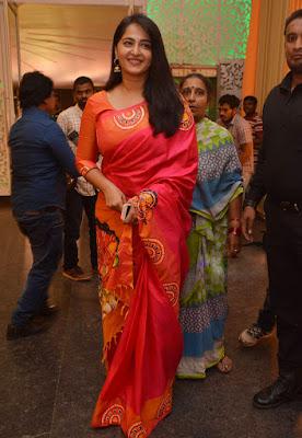 Anushka Shetty Beautiful Saree Stills, Sexy Anushka Heroine Hot 1