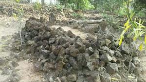 Situs Makam Kuno Tumenggung Putak Di Marga Batin Butuh Pemeliharaan dan Tidak Terawat!