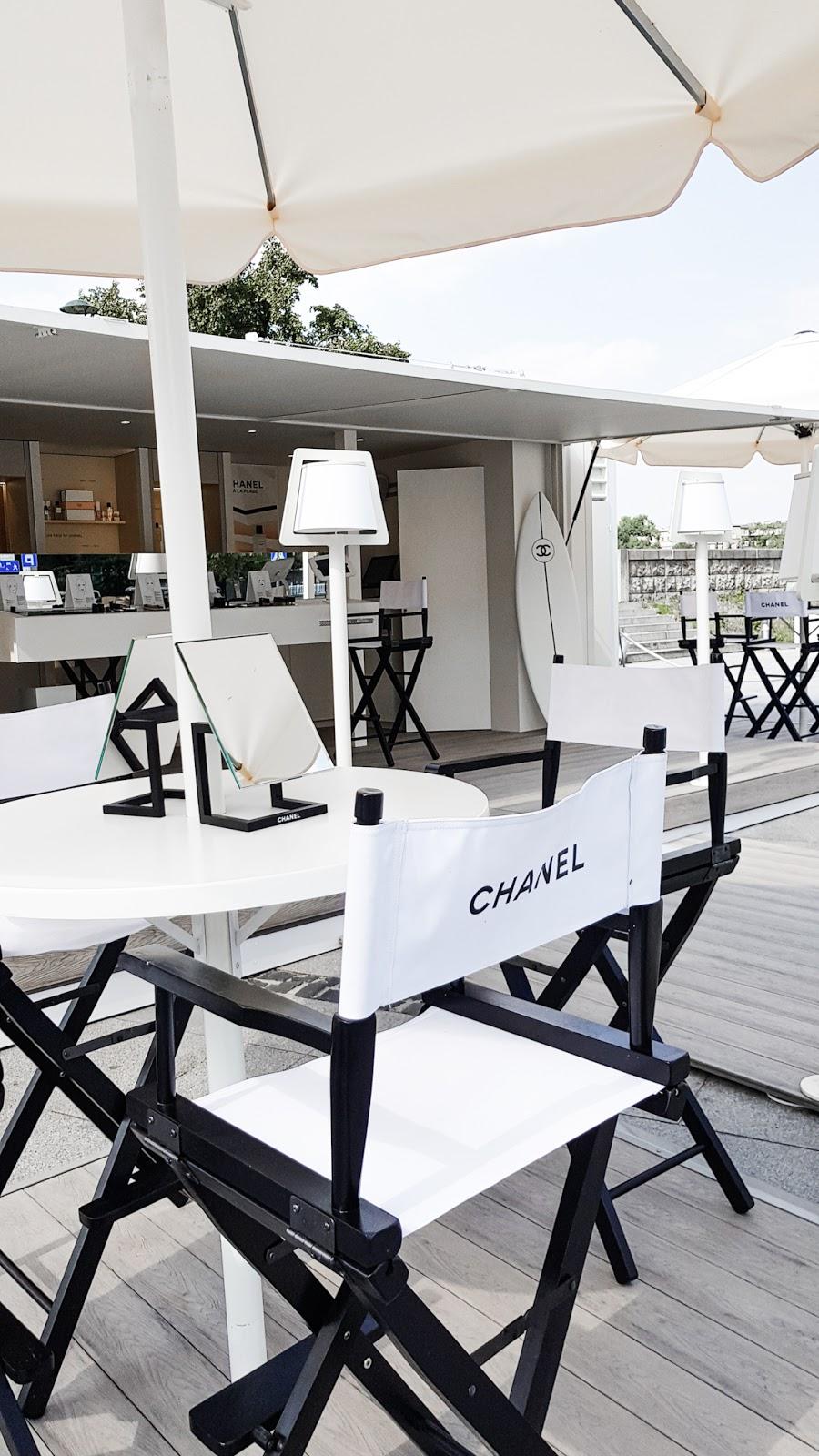przestrzeń inspirowana plażą w Deauville,