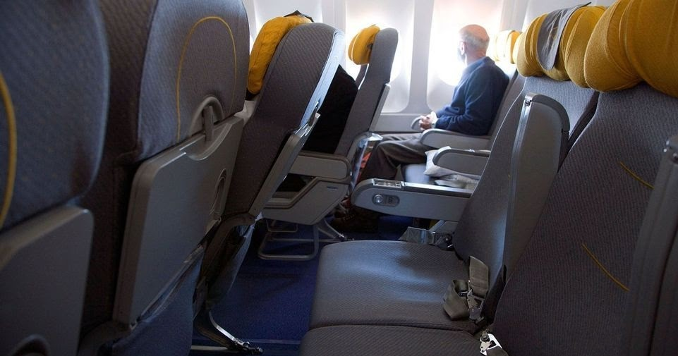 How To Keep Social Distancing In Flight ?