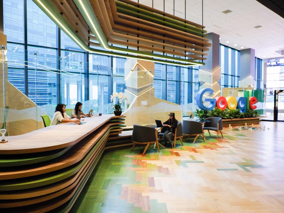 Coronavirus, Google offre gratuitamente la possibilità di vendere online