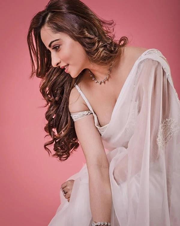 Niyati Fatnani - wiki bio, tv show, Instagram, photoshoot and more.