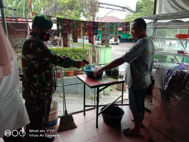 Putus Mata Rantai Peneybaran Covid-19, Personel Jajaran Kodim 0207/Simalungun Himbau Warga Jauhi Kerumunan