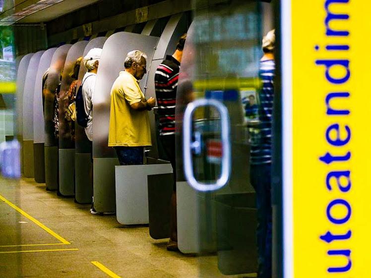 Agências bancárias não abrem no feriado de Tiradentes