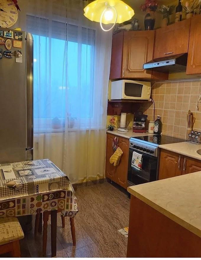 Kifizetett Panelprogramos  2 szobás 4. emeleti lakás eladó