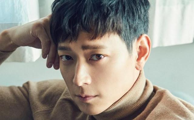 Gaya Rambut Pria Ala Artis Korea Middle Length Blue-Green