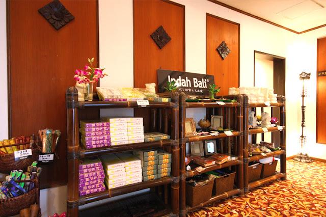 バリ島ウブドに本店のある雑貨ショップ『Indah Bali』。全ての商品がバリ直輸入!ご家族でも気軽に楽しめるお香やバリの職人が1つ1つ手作りで仕上げた小物入れやアクセサリーが人気です。