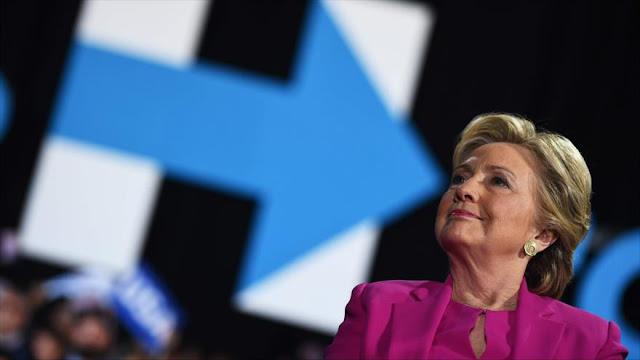 Acusan a Clinton de 'traición' por usar servidor privado de correo