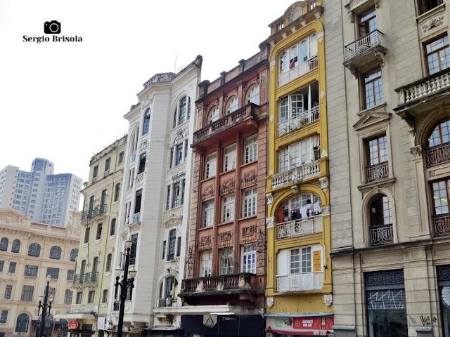 Vista ampla das antigas edificações localizadas no início da Avenida São João - Centro - São Paulo