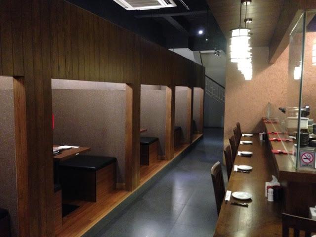 interior resto makanan jepang di kawasan kuliner PIK