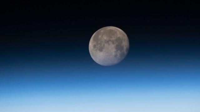 Por que a Lua está encolhendo 'como uma uva passa'