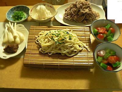 暑い日の夕食の献立 牛肉のおろしポン酢 野菜 冷うどん エシャレット