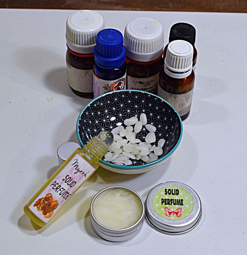 96ee2cf71 Se elaboran a partir de un aceite portador y aceites esenciales, y cera de  abejas en el caso de los perfumes sólidos. Y ahora comprobaréis lo sencillo  que ...