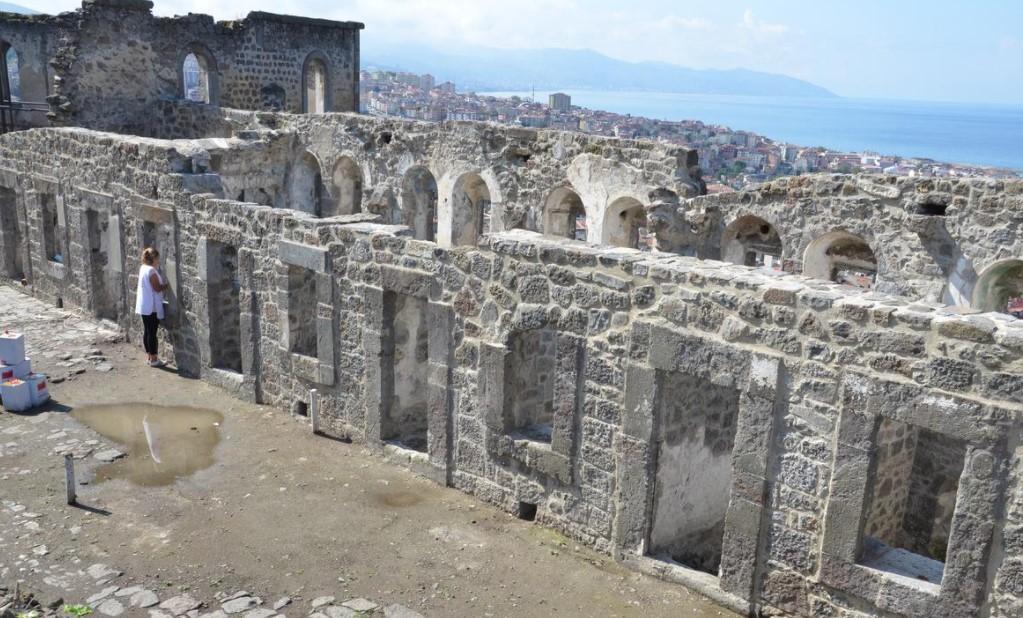 mutlaka görmeniz gereken 10 yer ki manastırı