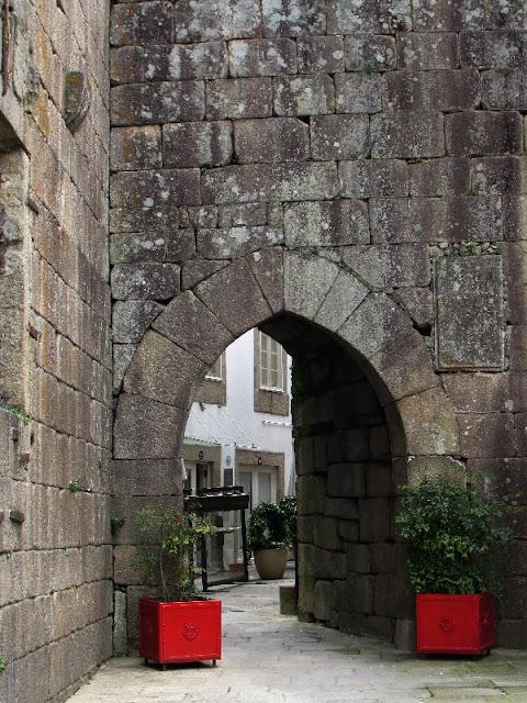 muralha medieval no centro histórico de Ponte de Lima