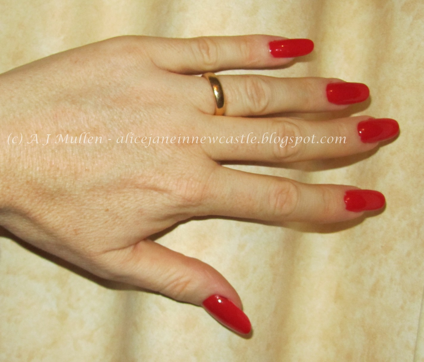 Alice Jane in Newcastle: Bright red nails at work - revisited