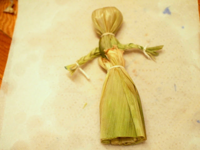 corn husk doll skirt