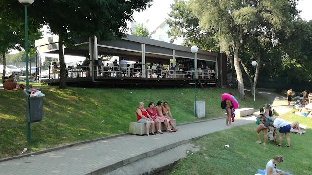 Esplanada do bar Ponte Nova