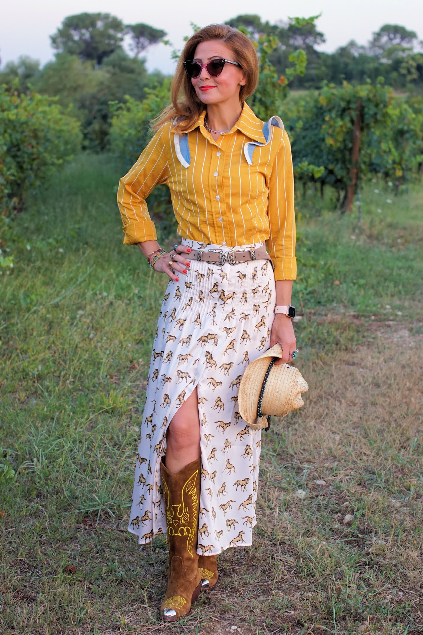 Yellow country outfit with Paige Callaway 1912