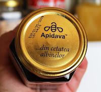 Beneficiile mierii de culoare inchisa