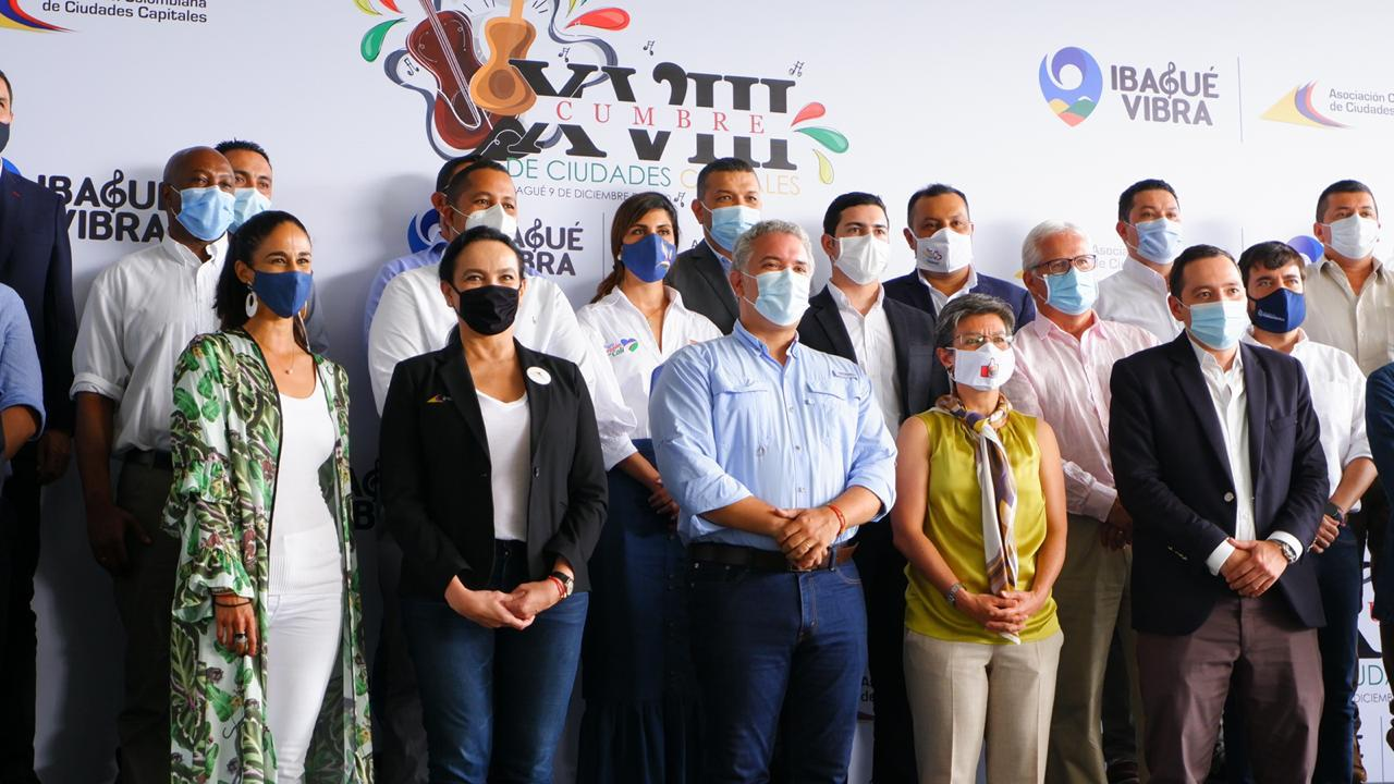 https://www.notasrosas.com/ Alcalde y gestora social de Riohacha participaron en Cumbre de Alcaldes, en Ibagué