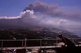 La Palma volcano spews some 250,000 tons of sulfur dioxide