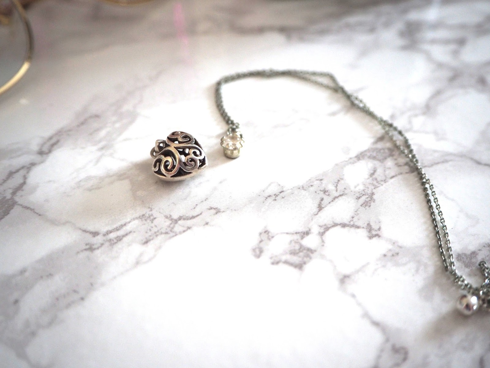 A NEW FOUND LOVE FOR MINIMAL JEWELLERY | Love, Maisie | www.lovemaisie.com