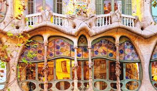 Art Nouveau by Antonio Gaudí - Barcelona - mosaic