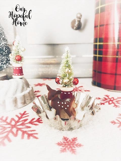 mini reindeer mini tart tin glitter snow red plaid Thermos vintage bottle brush tree