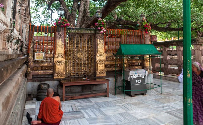 www.xvlor.com Mahabodhi Temple is the Buddha attained enlightenment in Bodh Gaya