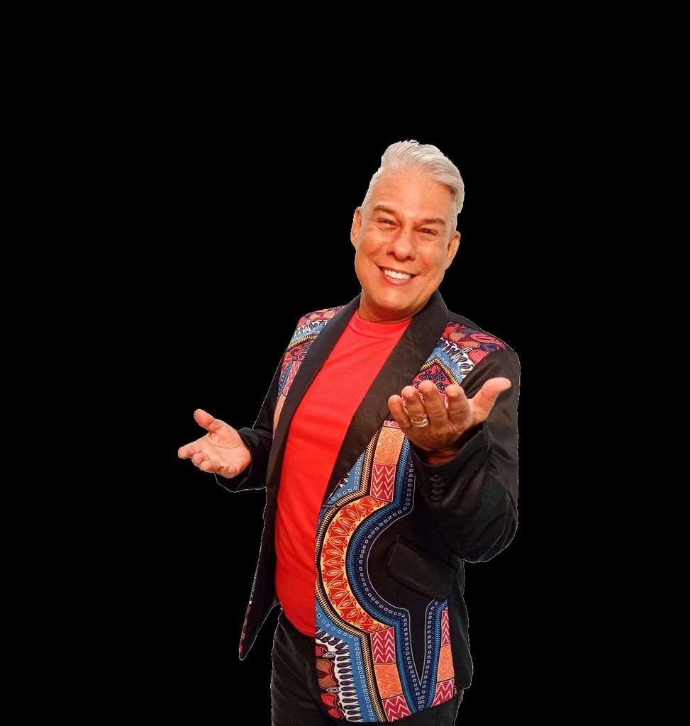Ciro Santos - Na carreira, o comediante soma grandes apresentações e participações em programas nacionais.
