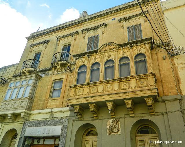 Balcão típico de Malta em Victoria, na Ilha de Gozo