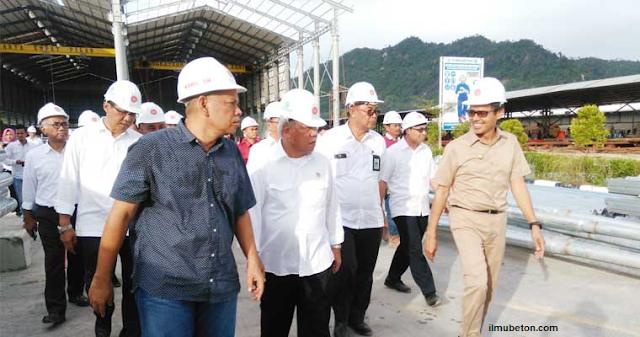 Kunjungan Menteri Pekerjaan Umum dan Perumahan Rakyat (PUPR) Basuki Hadimuljono dan Gubernur Sumatera Barat Irwan Prayitno ke PT.Kunango Jantan, padang pariaman