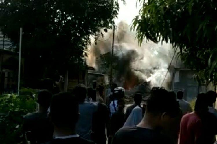 Kesaksian Warga Lihat Pesawat TNI AU Jatuh: Timpa Rumah Warga, Ada Ledakan, hingga Lihat Pilot Melayang
