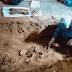 Encuentran esqueleto de mujer sepultada en vivienda con indicios de ser asesinada