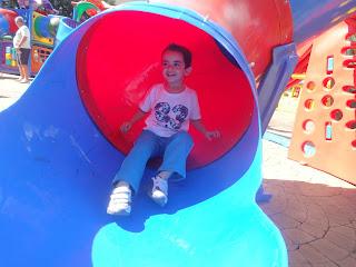Serra Negra - Praça de Brinquedos - Pública