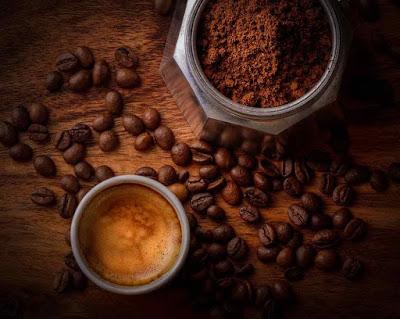 شرب كوبين من القهوة يوميا