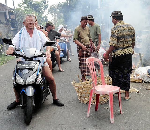 Alex Ferguson Menetap Di Bali Jadi Viral