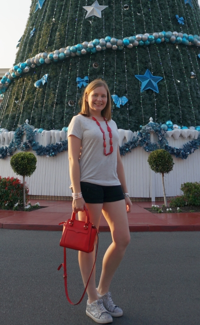 Movie world white Christmas outfit star foil print tee black denim shorts red accessories | away from blue