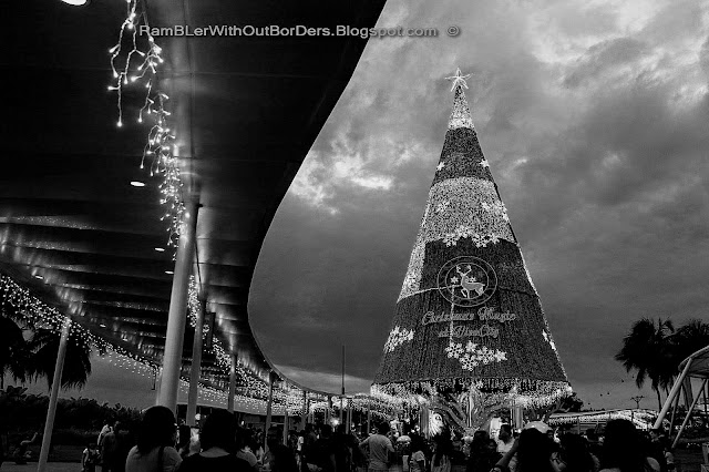 Christmas tree, Vivocity, Singapore