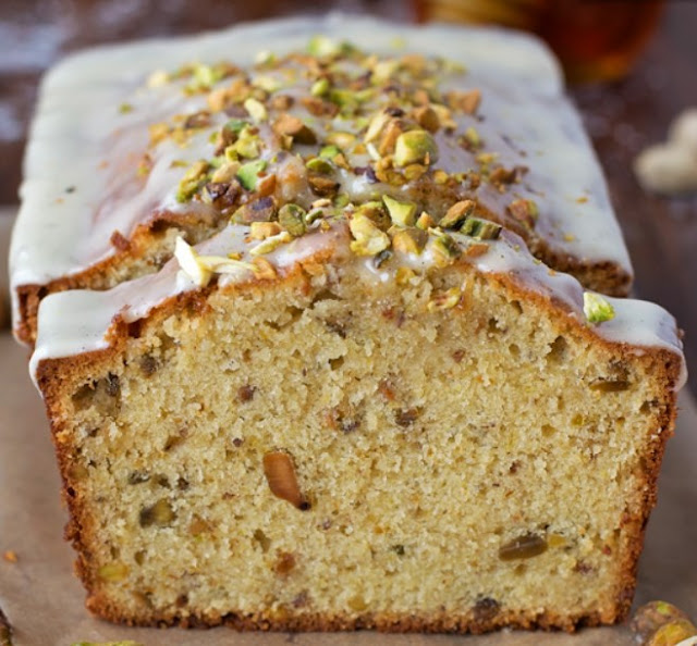 Almond & Pistachio Cake #cake #desserts