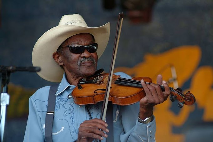 """Clarence """"Gatemouth"""" Brown, """"Early In The Morning""""-Live"""